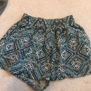 Flowy Mossimo shorts